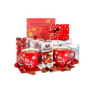 Een rood gekleurd kerstpakket voor man en vrouw