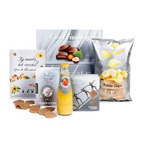 Witte kerstpakketten assortiment met thema voor de werknemers